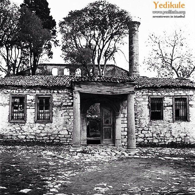 Yedikule imrahor camii - aya ioannes prodomos (vaftizci yahya) bazilikası - st.studios manastırı 1936 #yedikule #istanbul #manastır #kilise #camii #tarih #history  #monastery #ayaioannes #ststudios #oldpic #instapic #picoftheday #constantinople #benimyedikulem  (Studios Manastırı)