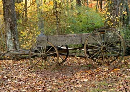 17 best images about farm wagons on pinterest john deere for Things to do with old wagon wheels