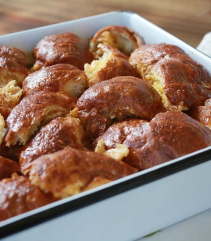 Fix our easy challah French toast the night before and bake it the next morning while getting dressed. It's a delicious way to start the day! - Everyday Dishes & DIY