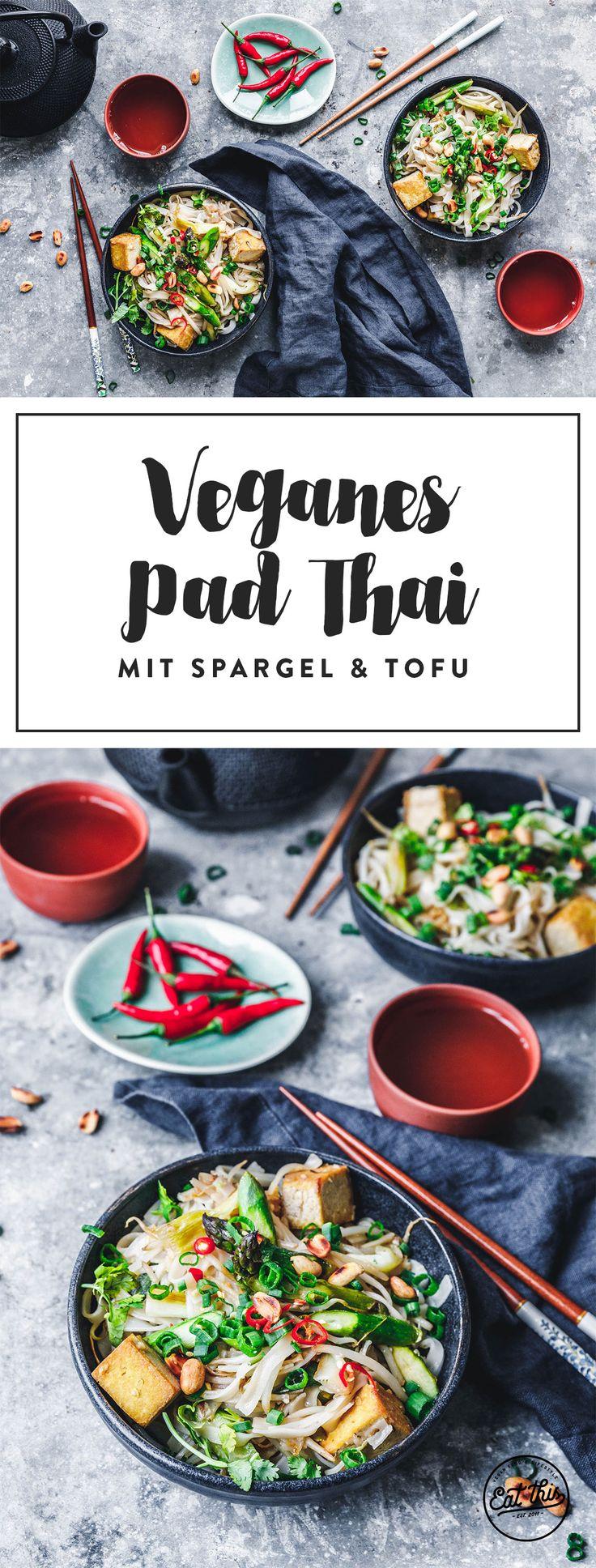 Dieses Pad Thai mit grünem Spargel und kross gebratenem Tofu steht in nichtmal 30 Minuten auf dem Tisch. Perfekt für den spontanen Thai-Appetit!