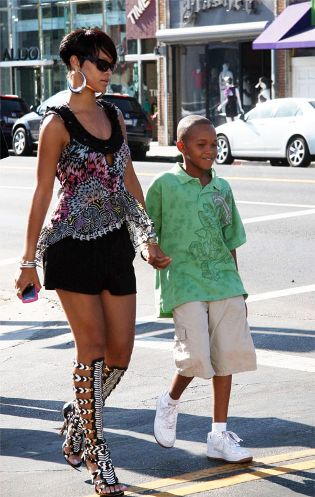 Rihanna In Somw Sick Gladiator Sandals Shoes Pinterest