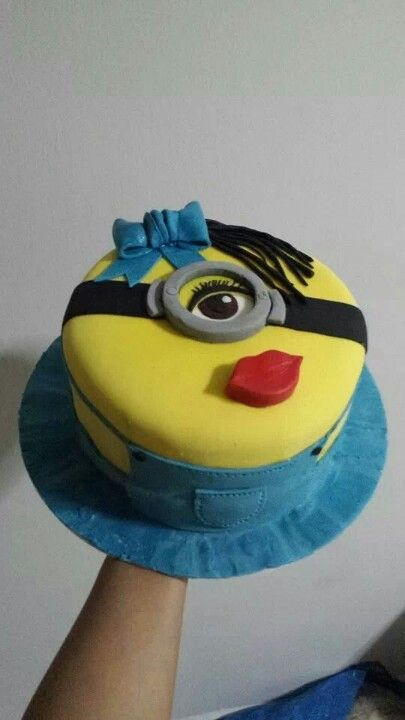 Minions Girl Flat Birthday Cake
