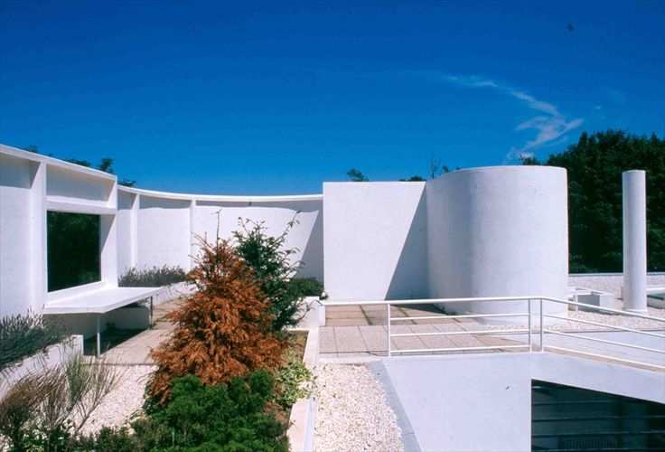 28 best images about villa savoye le corbusier on pinterest walkways pierre jeanneret and for Le corbusier villa savoye