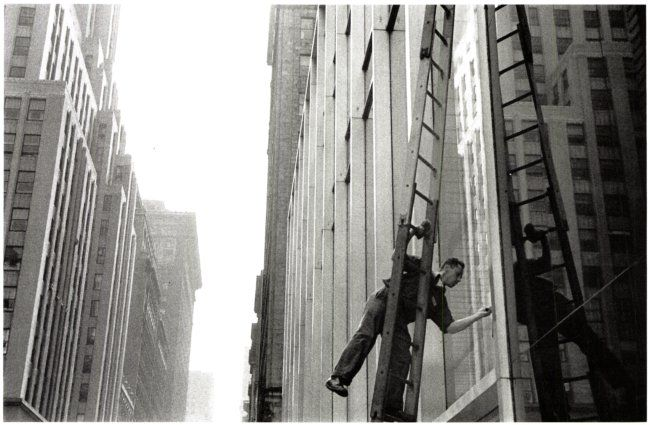 Window Cleaner, Midtown, New York - 1953 (Photographed by Louis Stettner)