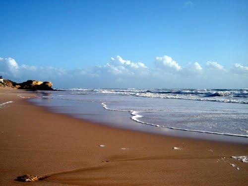 Praia da Galé, Portugal (photo: Robert Bovington)