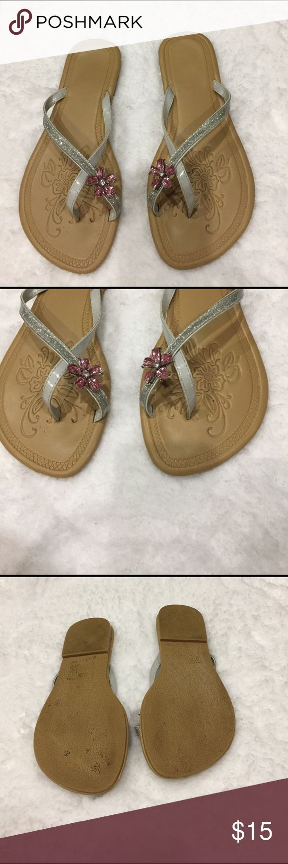 💜Boutique super cute brand sparkly flip flops 💜💜Boutique brand sparkly flip flops with crystal pink rose at toe. These are super cute!! Preloved in good condition. Some wear in last pic. Lightweight comfy shoe for all day summer wear. boutique Shoes Flats & Loafers