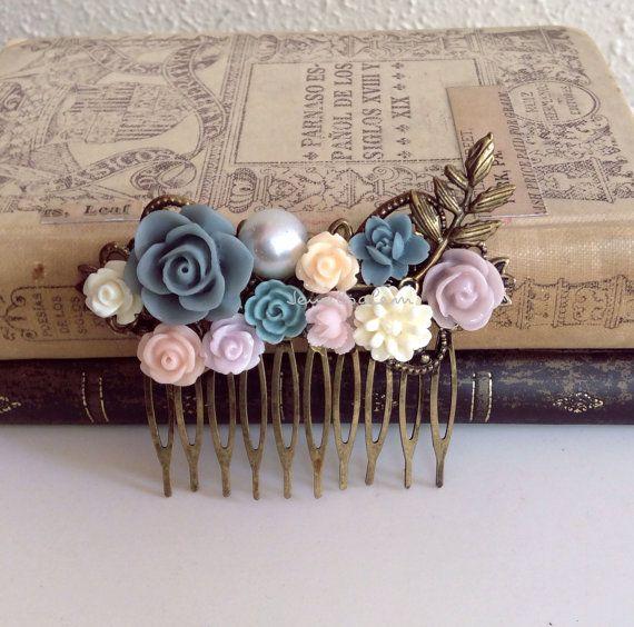 bruiloft haren kammen bruids bloem haar pin purper door Jewelsalem, $25.00