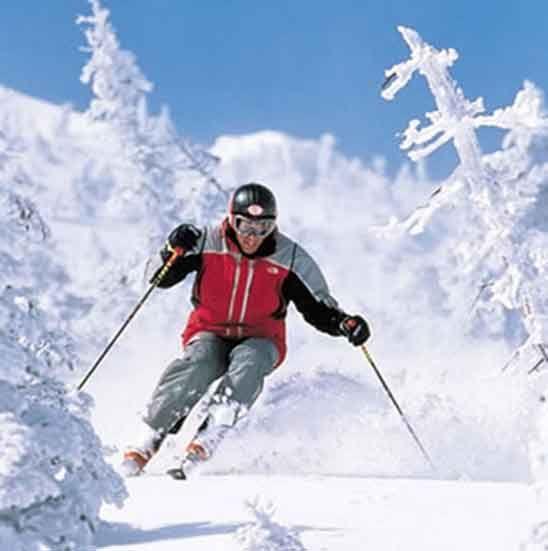 ¿Dónde ir a esquiar estas Navidades? Descubre las mejores pistas de esquí en este post #mejorespistasdeesqui #esquiar #invierno #Navidad #nieve