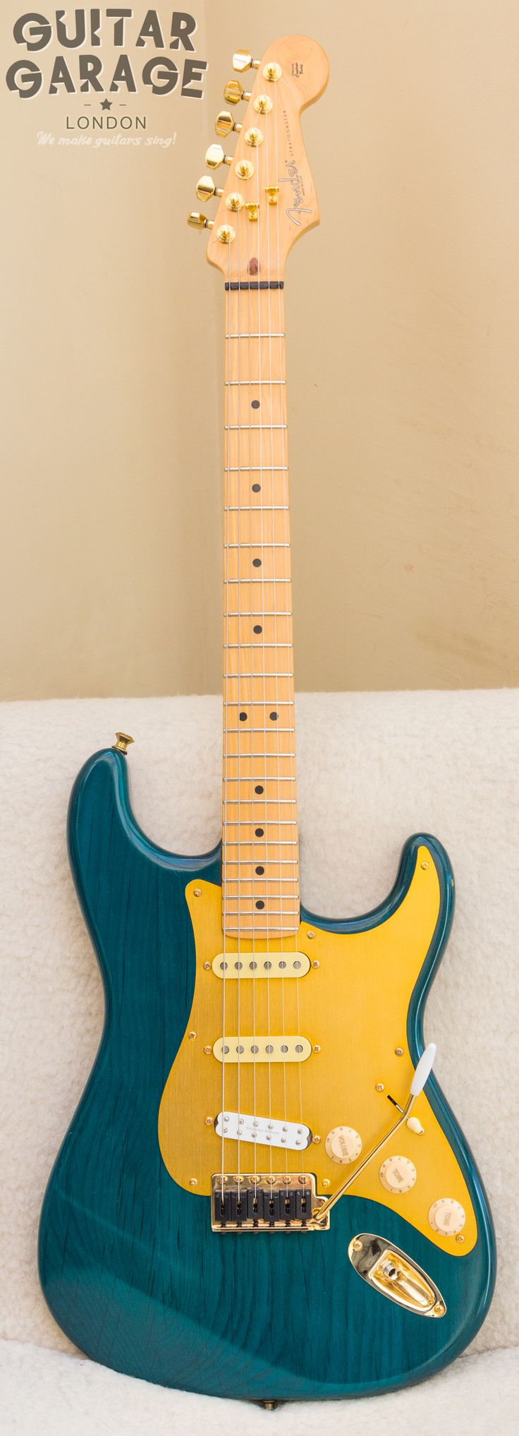 2002 Fender USA Stratocaster Green Nitro Limited Edition. With Graphtech saddles, gold hardware, Texas Specials in neck and mid, JB JR in the bridge, Earvana nut, Locking tuners, Roller string trees, straplocks, silent springs, Callaham Brass Trem Block, shielding
