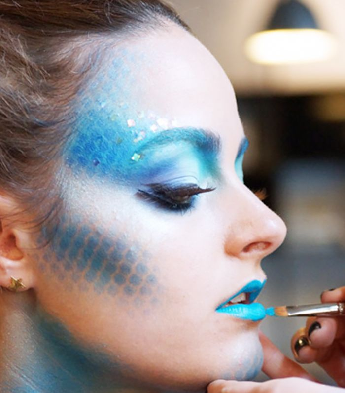 I like the airbrushing on this and how the blue is used in areas where you would usually contour on a normal make-up. It is the wrong colour for my theme but I could incorporate some of the style into my character.