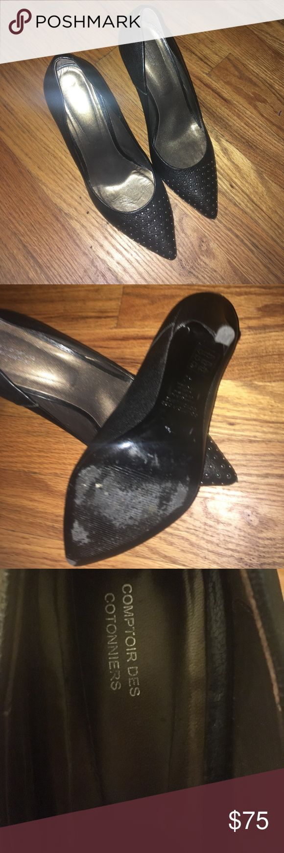 🔥SALE! Comptoir des Cotonniers Black Pumps Sz 40 Stylish Comptoir des Cotonniers Black Pumps - Size 40. Great condition; worn once...my loss is your gain! My absolute favorite shoe is too big for me... if you are a 9.5, this shoe has your name on it!! Get style and comfort in these! Super Comfy and In Excellent condition!! Comptoir Des Cotonniers Shoes Heels