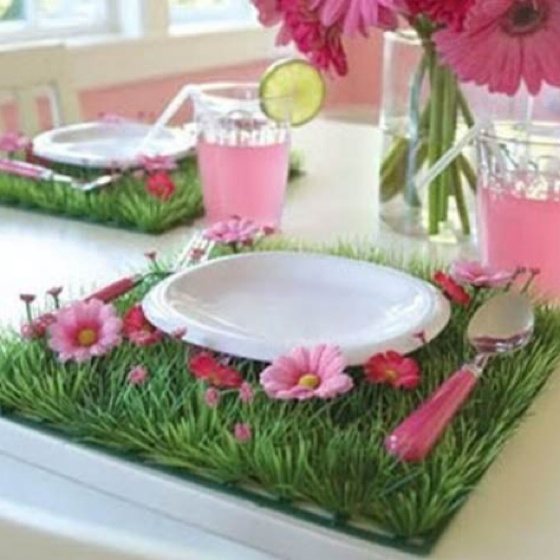 I was thinking of having a gardening party for Morgan this year.  This would be so cute