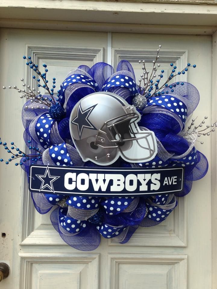 The 25 best cowboys wreath ideas on pinterest dallas for Dallas cowboys arts and crafts
