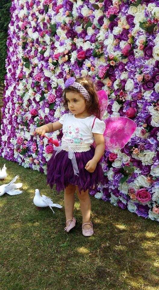 Cunoastem cat de important este ca in ziua evenimentului tau totul sa fie absolut perfect! panouri florale iti sta alaturi si iti propune o explozie de culoare! Adauga rafinament si stralucire evenimentului tau alegand un panou floral lucrat special pentru a te pune in valoare!