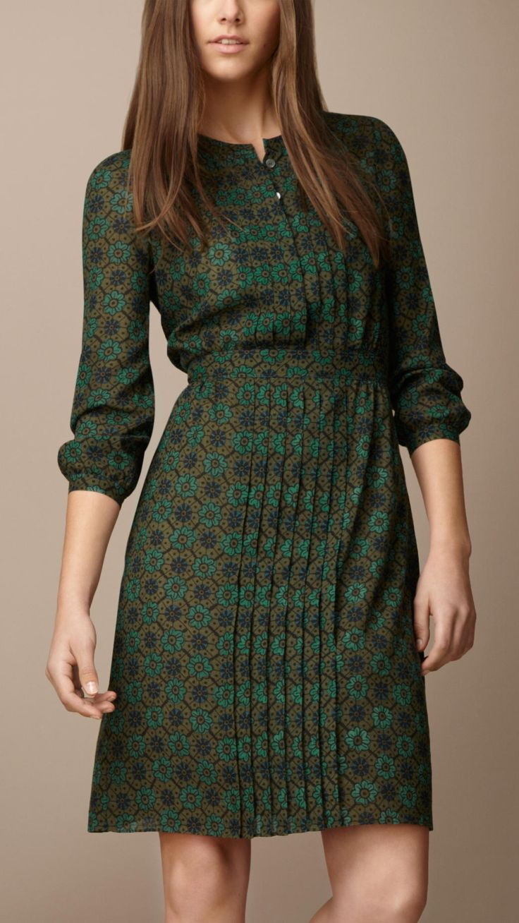 Sublime 170+ Tailored Dresses Idea https://fazhion.co/2017/04/02/170-tailored-dresses-idea/ In this Article You will find many Tailored Dress inspiration and Ideas. Hopefully these will give you some good ideas also.