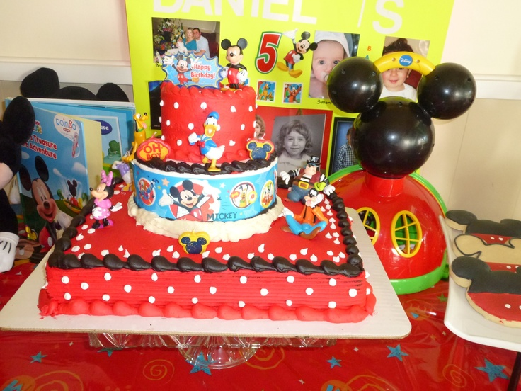 Cake Designs At Albertsons : Mickey Mouse cake from Albertsons. Layered myself and ...