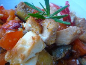 Pittige ovenschotel met Courgette, Aubergine, Tomaat, Kip & Feta