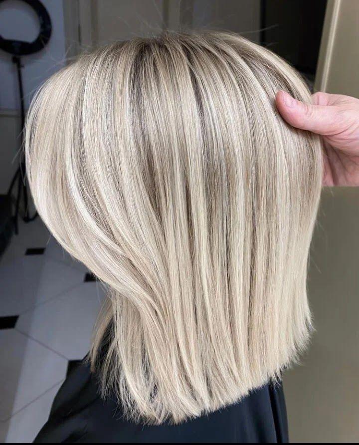 صبغ الشعر باللون الأشقر تحلمين أن يكون لون شعركي أشقر الحل الوحيد لذلك هو تلوين خيوط شعركي بصبغة شعر أشقر التحول إلى الشع Hair Styles Long Hair Styles Beauty