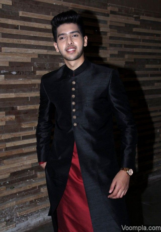 Armaan Malik style bandhgala sherwani Manish Malhotra fashion