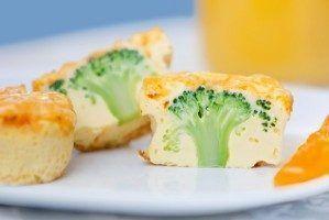 Briose aperitiv cu broccoli - Aperitive cu legume - Gastronomie - Mobile Ele.ro