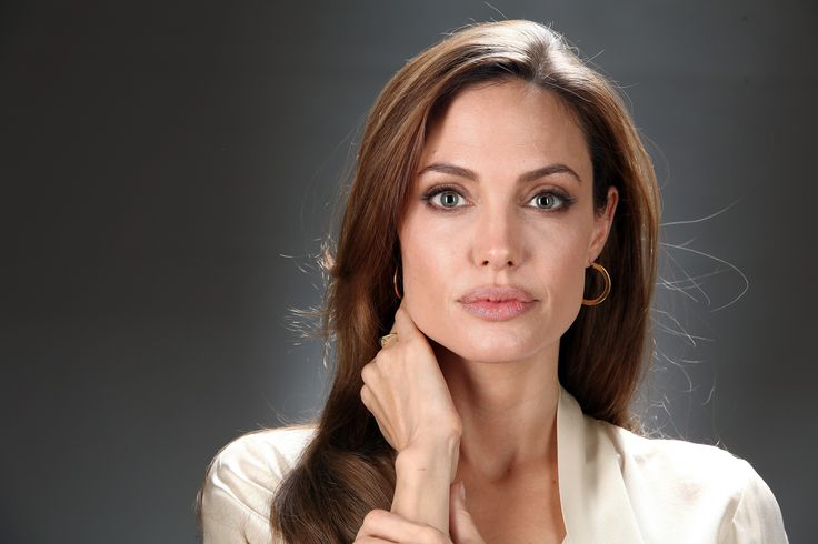 Angelina Jolie Pictures ( image hosted by womenonit.com ) #AngelinaJolieNetWorth #AngelinaJolie #celebritypost