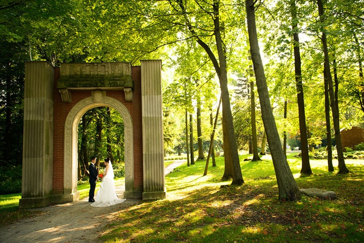 Take a romantic engagement photos with John and Veronica! Photo taken at Guildwood Park, Toronto