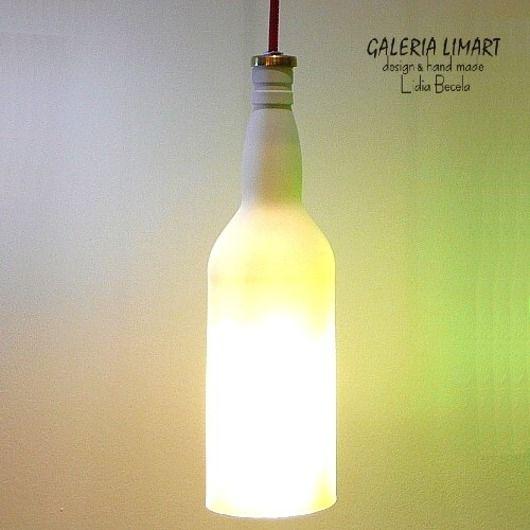 lampa ze szklanej własnoręcznie ciętej i lakierowanej butelki po alkoholu UNIKAT / Eco-lamp made from a glass bottle of alcohol personally cut and painted unique