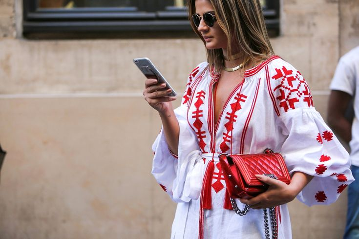 #PHCFW – Branco + vermelho! Bata – Vitakin | Sandalia – Schutz | Colares – Mloures | Bolsa – Chanel