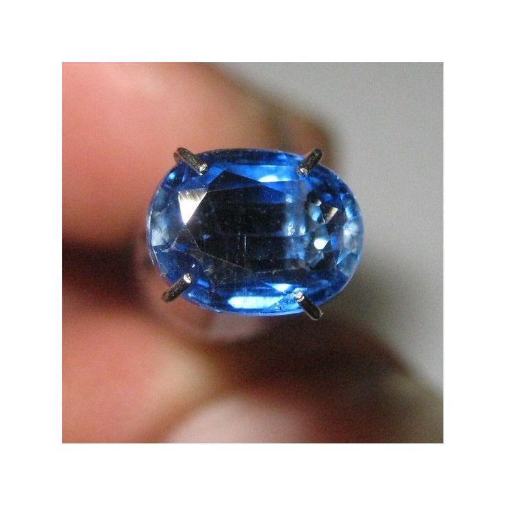 Batu Permata Kyanite 1.34 carat Oval Cut Biru Elegan