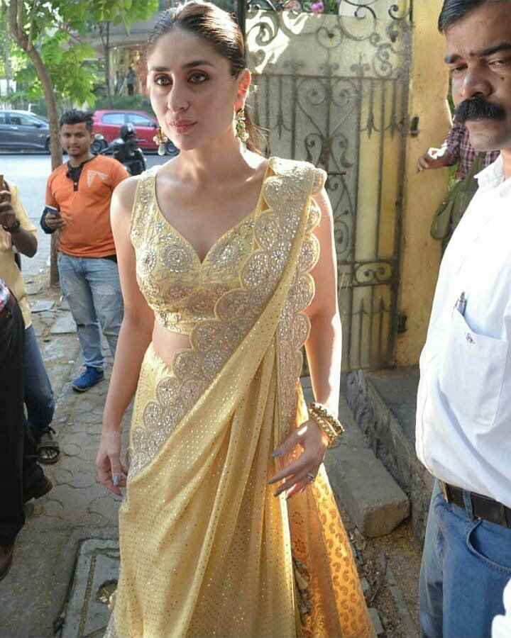 ea1ece5a3d980 Pin by OneLoveMySelf on Saif Ali Khan ❤️Kareena Kapoor Khan in 2019   Kareena  kapoor saree, Kareena kapoor, Indian dresses