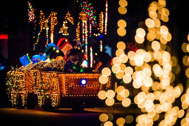 Main Street Electrical Parade Viewing & Photography Tips