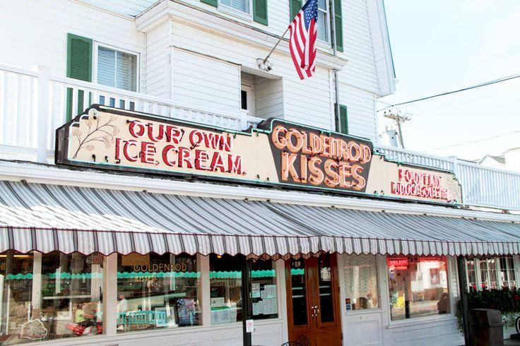 The popular Goldenrod restaurant in York, Maine. VisitMaine.net