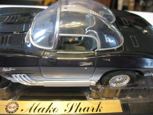 1961-Corvette-Mako-Shark-Diecast-Model-1-18-Scale
