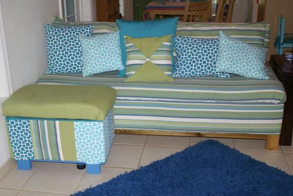 Beachy Storage Sofa Do It Yourself Home Projects From Ana White I Would Do This Just For The