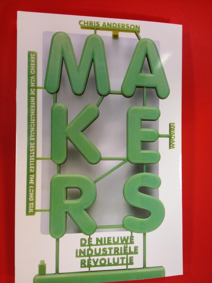 Makersculture & de nieuwe industriele revolutie; connecting atomen & bits/dingen en internet, internet of things, Diy culture/do it yourself, 3Dprinting, open source: aanrader! Chris Anderson is ook een heel goede spreker, zie zijn speech @ Google on You Tube.