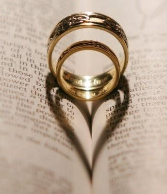 Love the rings and shadow, isn't it a perfect picture!  http://on.fb.me/HWEXBJ
