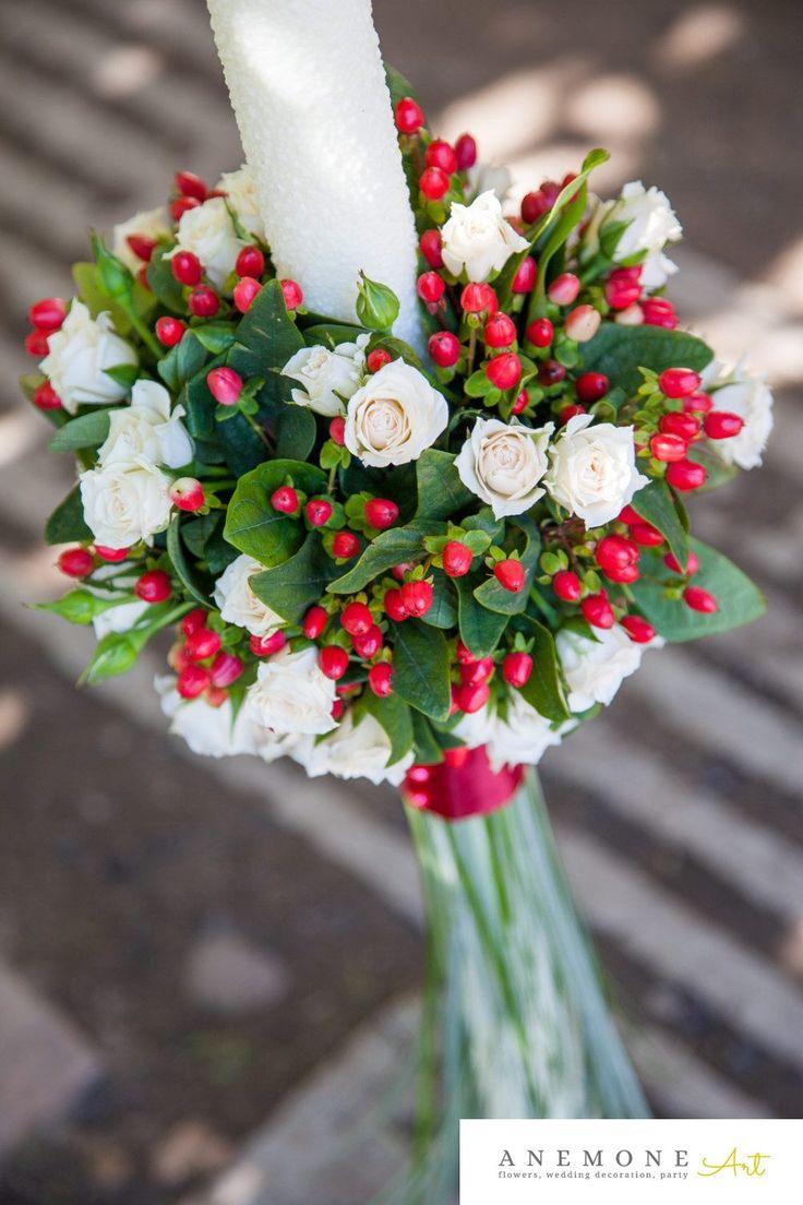 Poza, foto cu Flori de nunta hipericum, lumanare cununie, mini-rosa, perle, rosu in Arad, Timisoara, Oradea (wedding flowers, bouquets) nunta Arad, Timisoara, Oradea