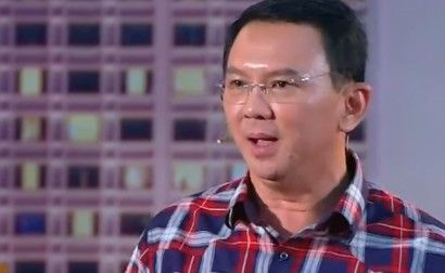 Winnetnews.com - Calon gubernur petahana DKI Jakarta Basuki Tjahaja Purnama atau yang kerap disapa sebagai Ahok mengucapkan terima kasih kepada para pendukungnya yang selama ini telah bekerja keras untuk memenangi dirinya pada pilkada putaran pertama.Saudara-saudaraku, terima kasih atas dukungan dan