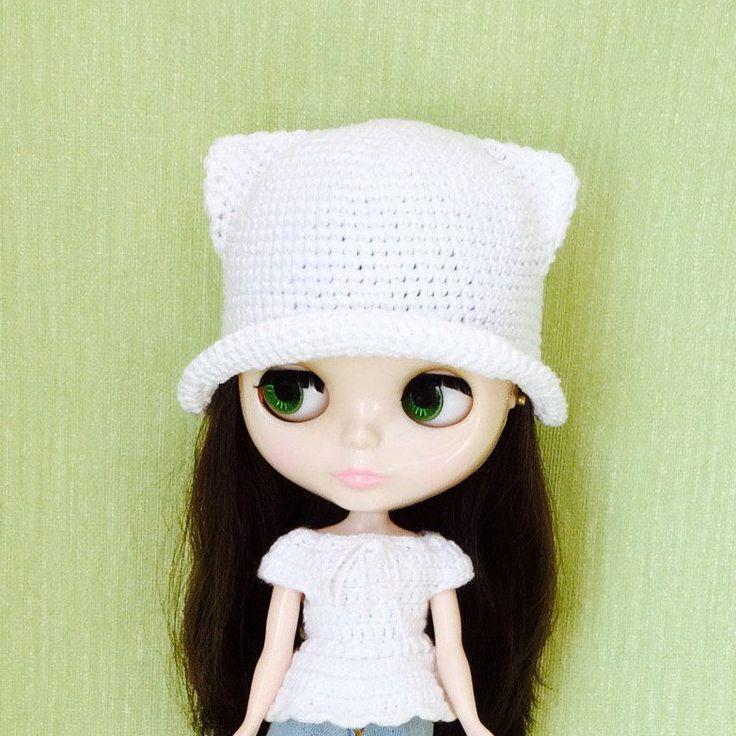 Summer white hat cat for Blythe, Pullip, BJD dolls, Crochet hat for Doll, Hat crochet for Doll, Blythe Clothes, Handmade, Ready to Ship by HappyToysDolls on Etsy
