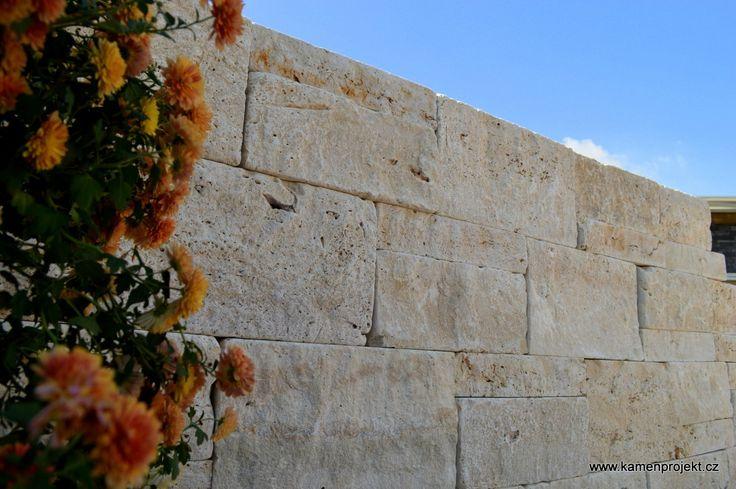 Kamenná zeď Pearl Cream Massive