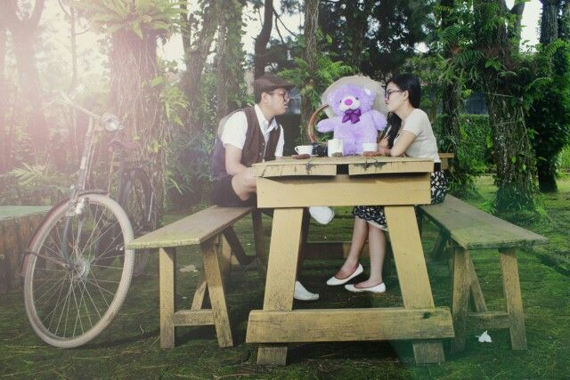 #prewedding #bear #garden #vintage