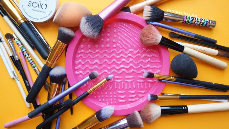 Limpieza de brochas para maquillaje plato silicón