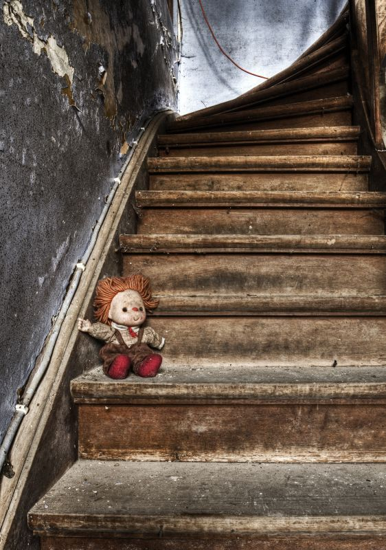 Trash Doll by ~stengchen on deviantART  ~ ♥ #abandoned #ruins #architecture