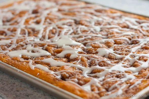 Cinnamon Roll Pumpkin Sheet Cake - this sounds amazing.