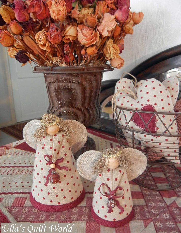 Ulla's Quilt World: Quilted angels, tablecloth, hearts