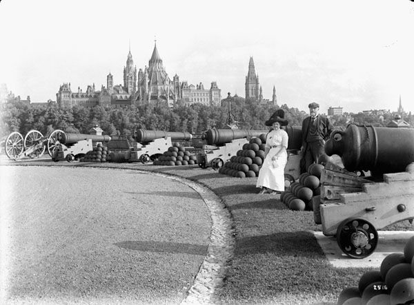 Parliament buildings, Ottawa. 1912. Location is Nepean Point. (600×443)