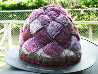 Entrelac in the round cap