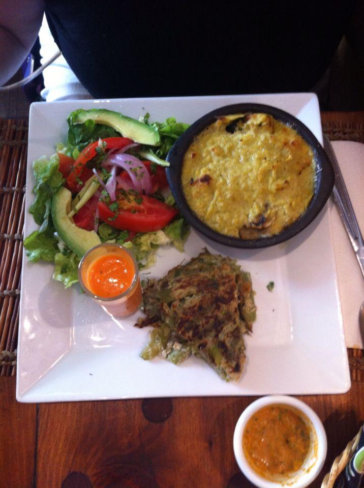 """Chilean typical food. Corn pie. Restaurant """"EL HUERTO"""". ~ Comida típica chilena. Pastel de choclo. Restaurante """"EL HUERTO"""""""