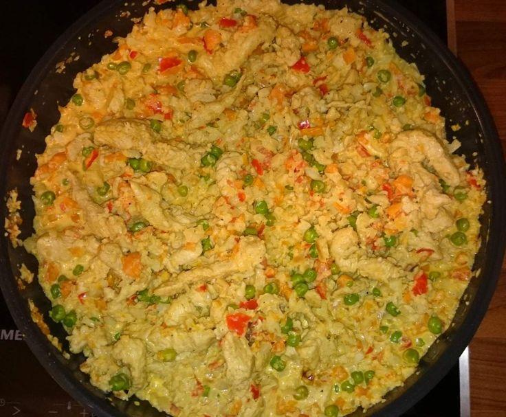 """Rezept Low Carb """"Reis""""- Pfanne mit Putengeschnetzelten von Nina2210 - Rezept der Kategorie Hauptgerichte mit Fleisch"""