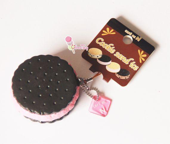 Cafe D N cream cookie squishy.